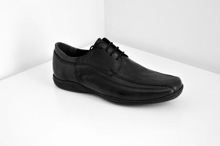 μαύρο καλό καθημερινό παπούτσι