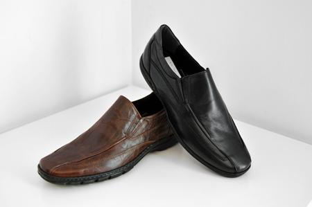 μαύρο και καφέ τσαλακωτό καθημερινό παπούτσι